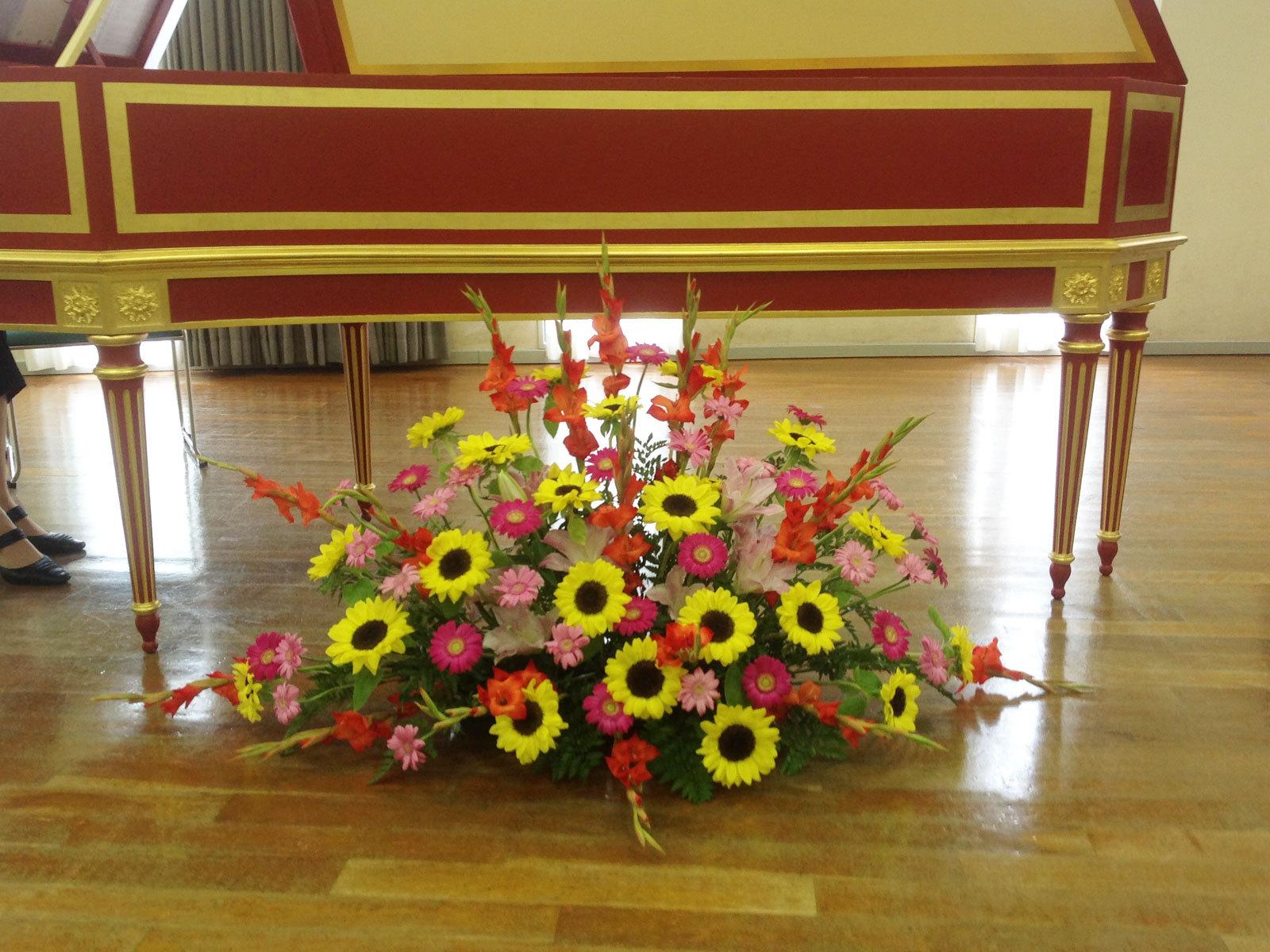 豊中市立文化芸術センター フロアー花