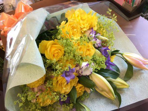 花束 黄バラ